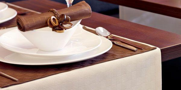 jetzt noch vor weihnachten die richtigen tischdecken. Black Bedroom Furniture Sets. Home Design Ideas